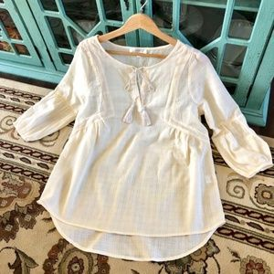 Tops - 🎉HP🎉 Beautiful Cream Boho Flowy Blouse - NEW